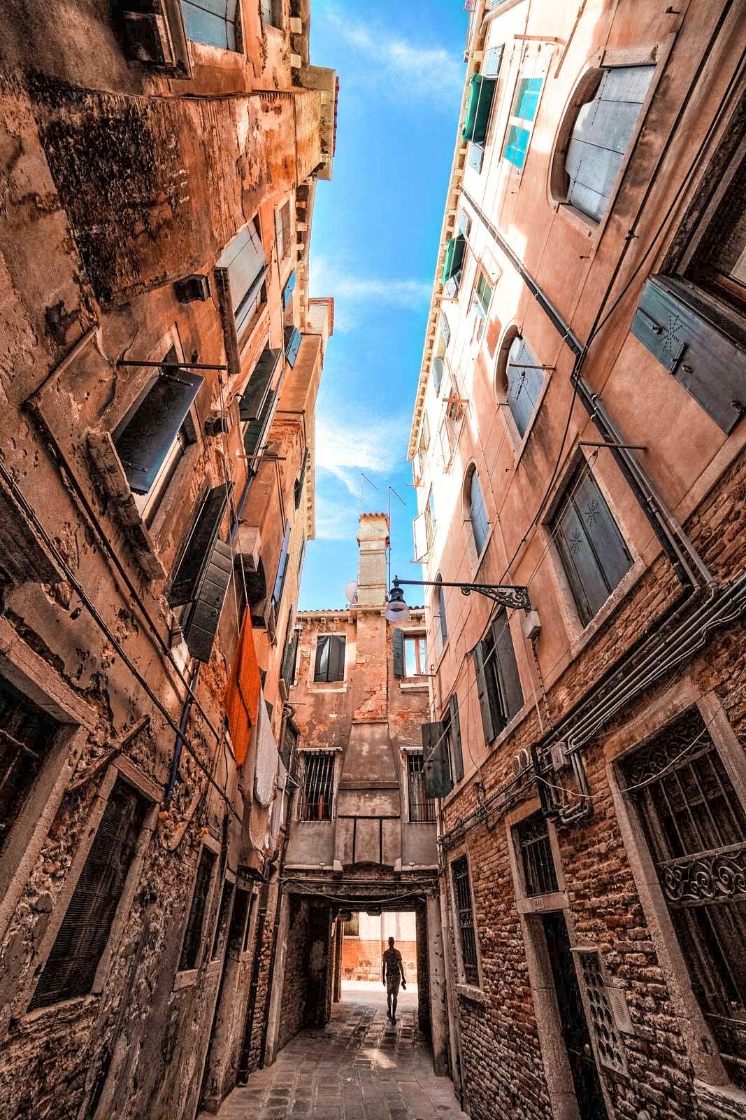 Always look up in Venice